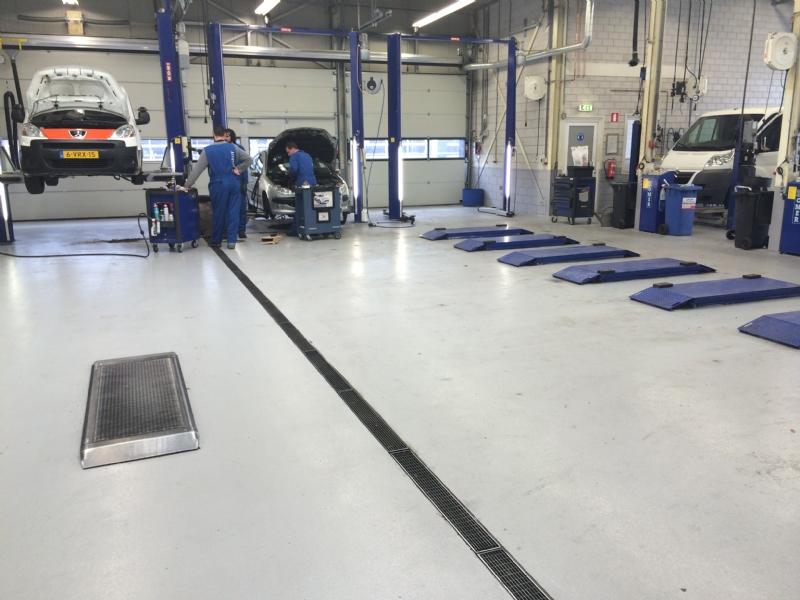 Garage Nefkens Amersfoort : Epoxy vloercoating in tilburg bij nefkens new brand gietvloeren